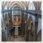 Santa Maria del Fiore cattedrale navata e l'altare