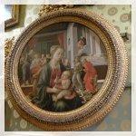 Galleria Palatina ha mantenuto la disposizione dello schermo originale di dipinti (spremuto a, spesso uno sopra l'altro)